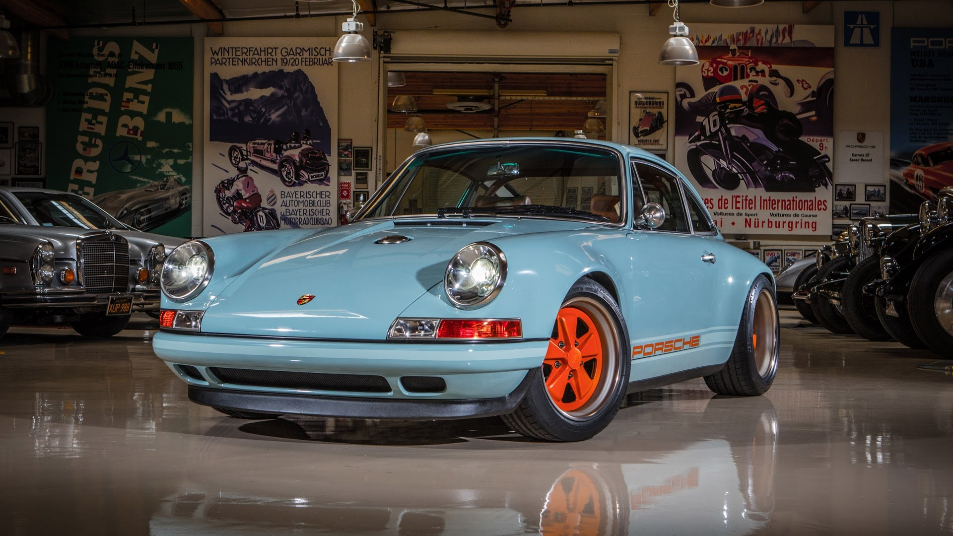 Jay Leno drives a Porsche 911 by Singer - CarPower360